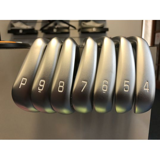 18709e2c8675 JPX 900 Forged Irons Steel Shafts Right Regular Nippon Modus Tour 105 4-PW (